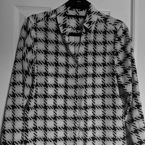 Limited Black and White Patterned Blouse
